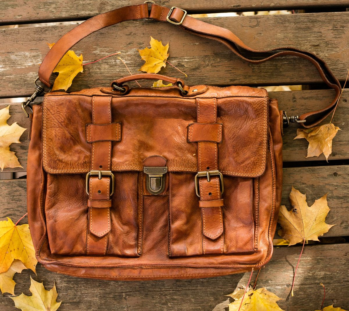 SHOP Campomaggi Messenger Bag Cognac