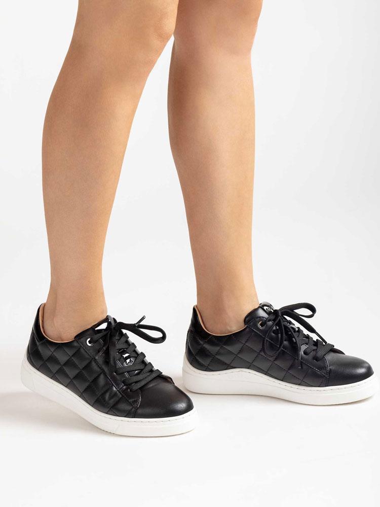 unisa-falua-padded-leather-trainer-black