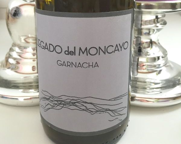 Bottle of Legado Del Moncayo Garnacha by Isaac Fernandez Selección 2020 mostly showing the wine label.