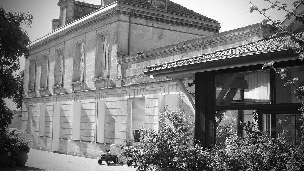 Black and white photo of chateau of producer of Bordeaux Cotes De Bourg 2019 Chateau Tour Neuve.
