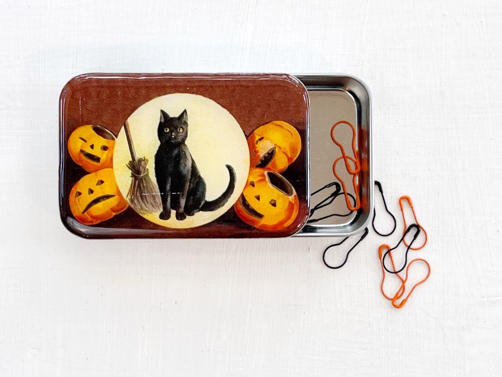 Get the YarnYAY! Crochet Halloween Box while supplies last!