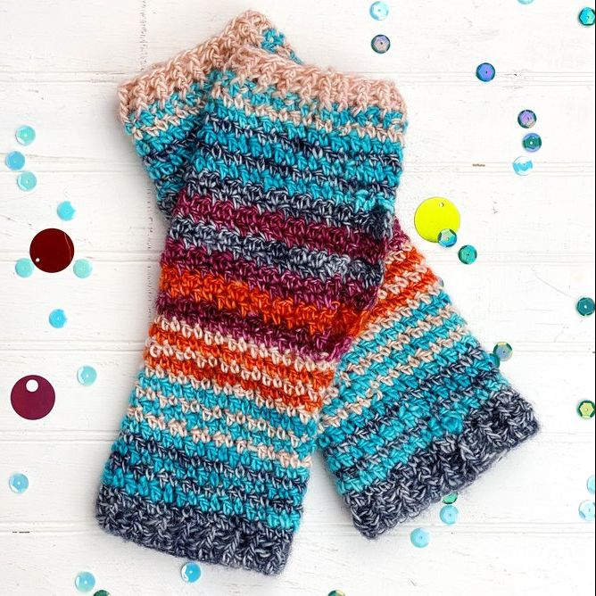 High-Five Wrist Warmers Crochet Pattern