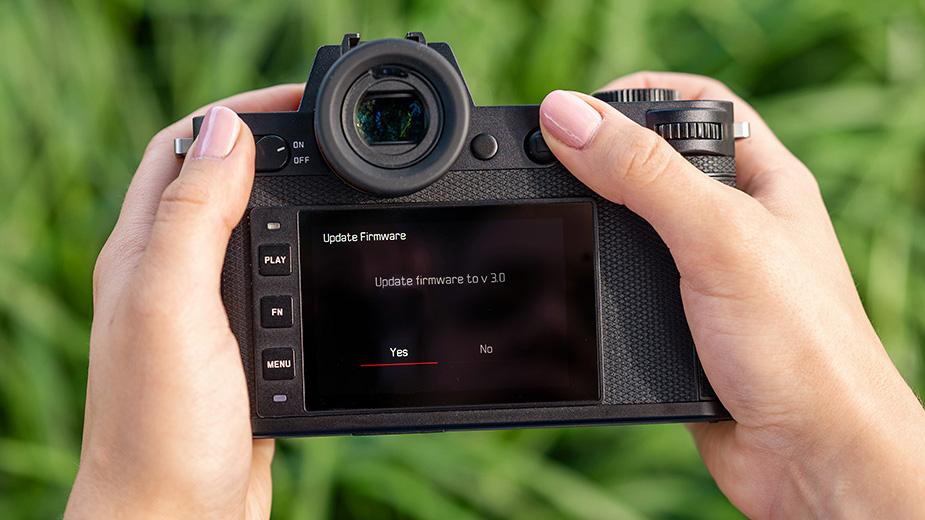 New Firmware for Leica SL Cameras & Lenses