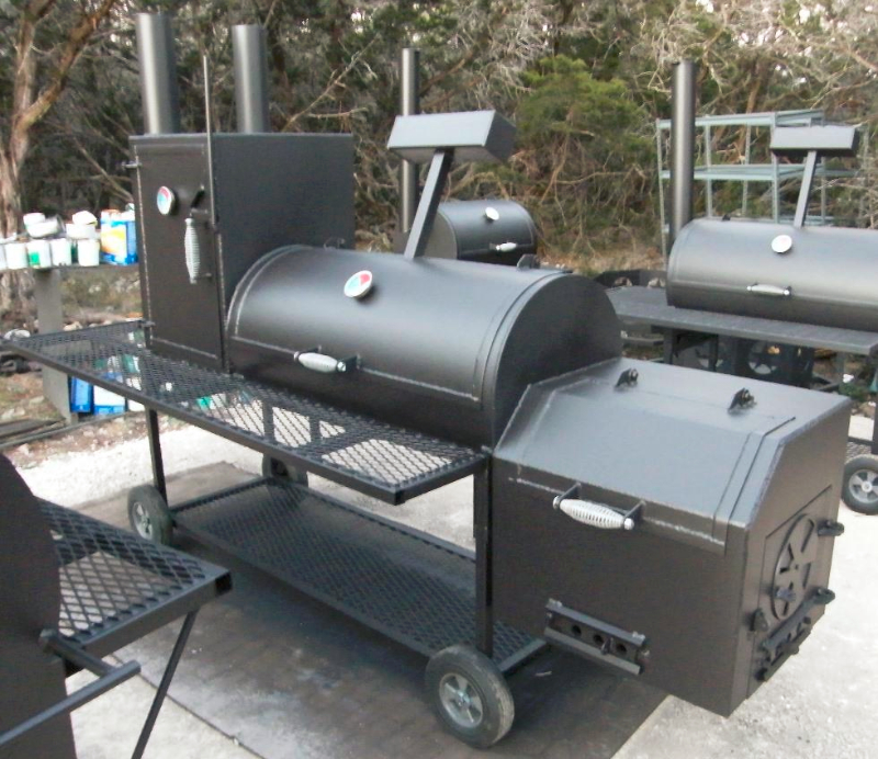 Essential Hardware, Featured Story.  Boss Hog Heavy Duty Smoker Pit